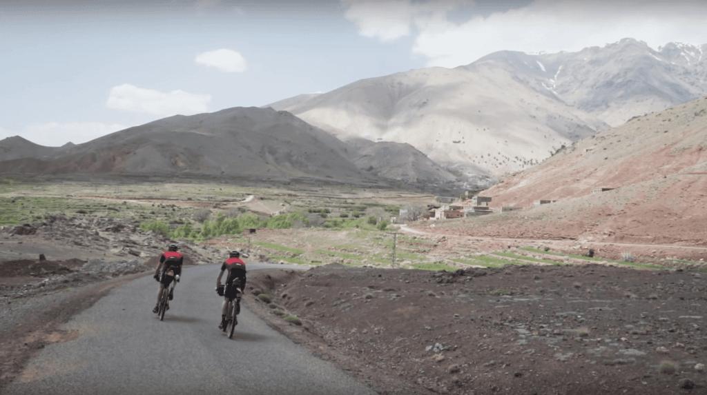 Einfach ein Abenteuer, mit den Rädern durch die Bergwelten Marokkos zu düsen.